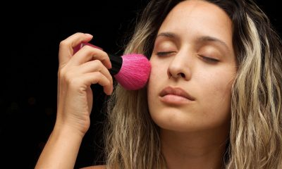 women-makeup-2322876_1280