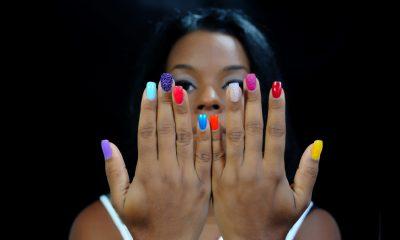 woman-colorednails_207835465