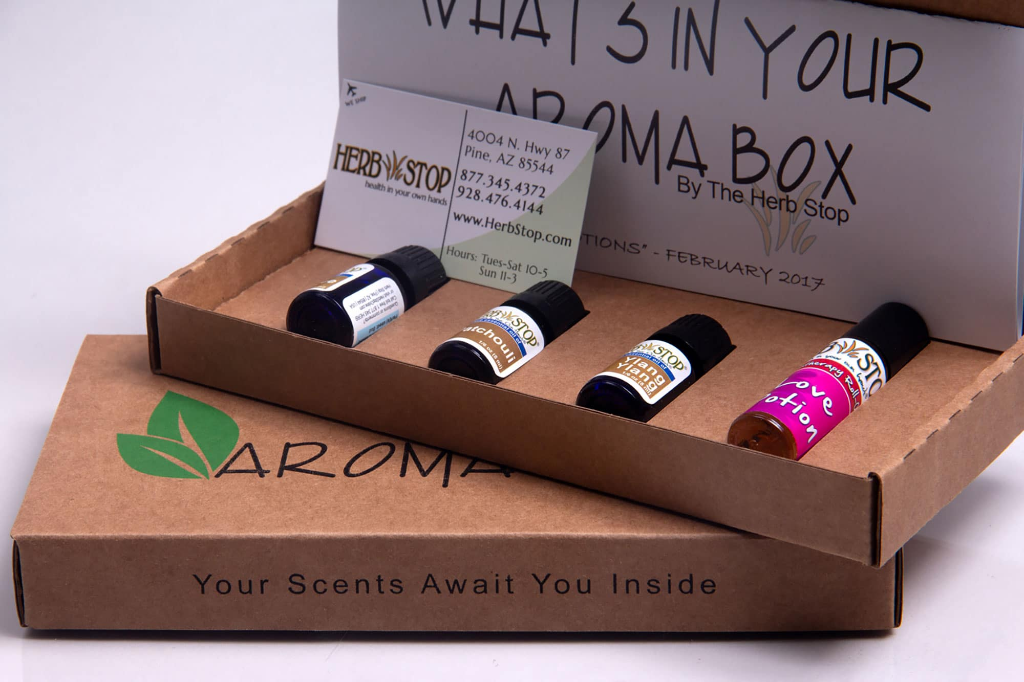 Aroma Box utilized fully recyclable custom mailing boxes with custom cardboard inserts to hold products in place.